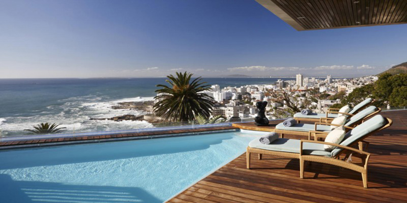 Luxurious villa in Bantry Bay, with pool