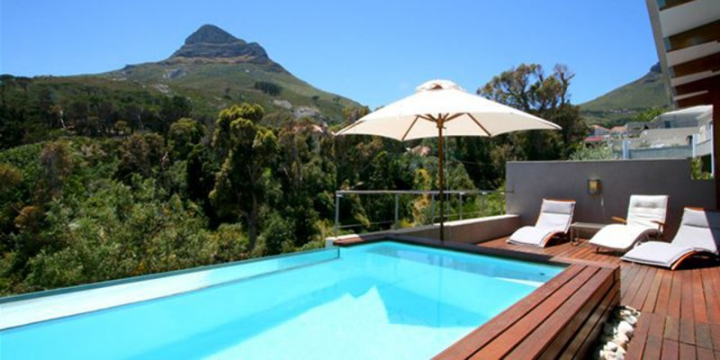 Vacation apartment in Camps Bay, with private pool