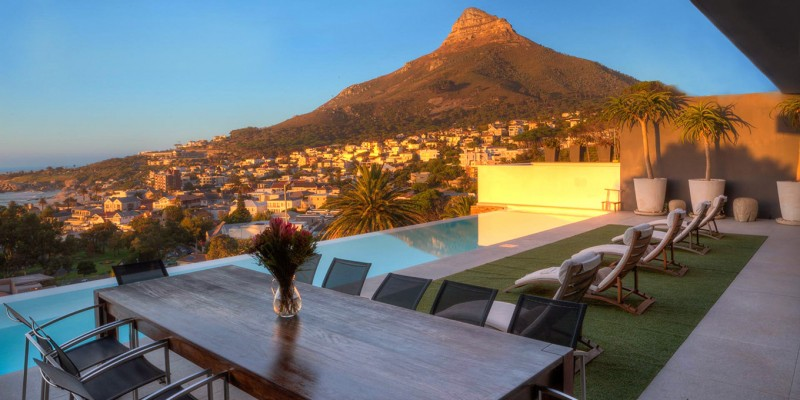Luxury holiday  villa Camps Bay, with pool